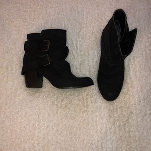 AE black booties